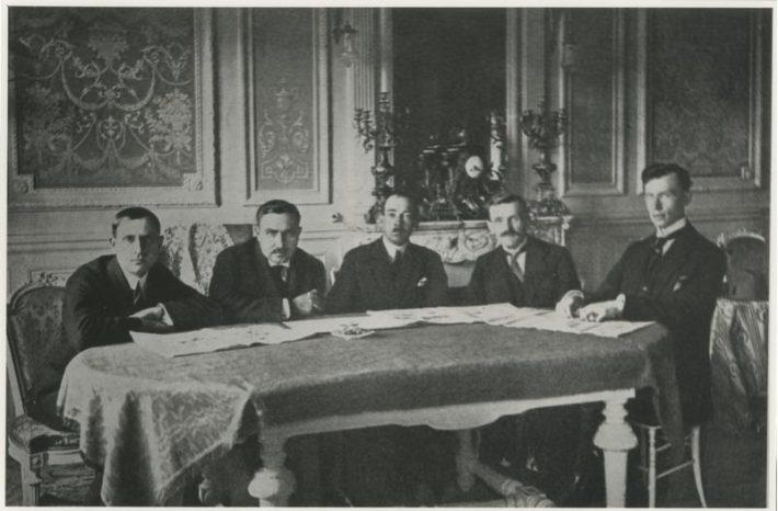 Eesti delegatsioon Rahvaste Liidu II täiskogu koosolekul 09.–10.1921. Foto: Rahvusarhiiv
